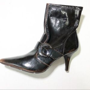 3/$10 BCB Girls Brown heeled boots size 8